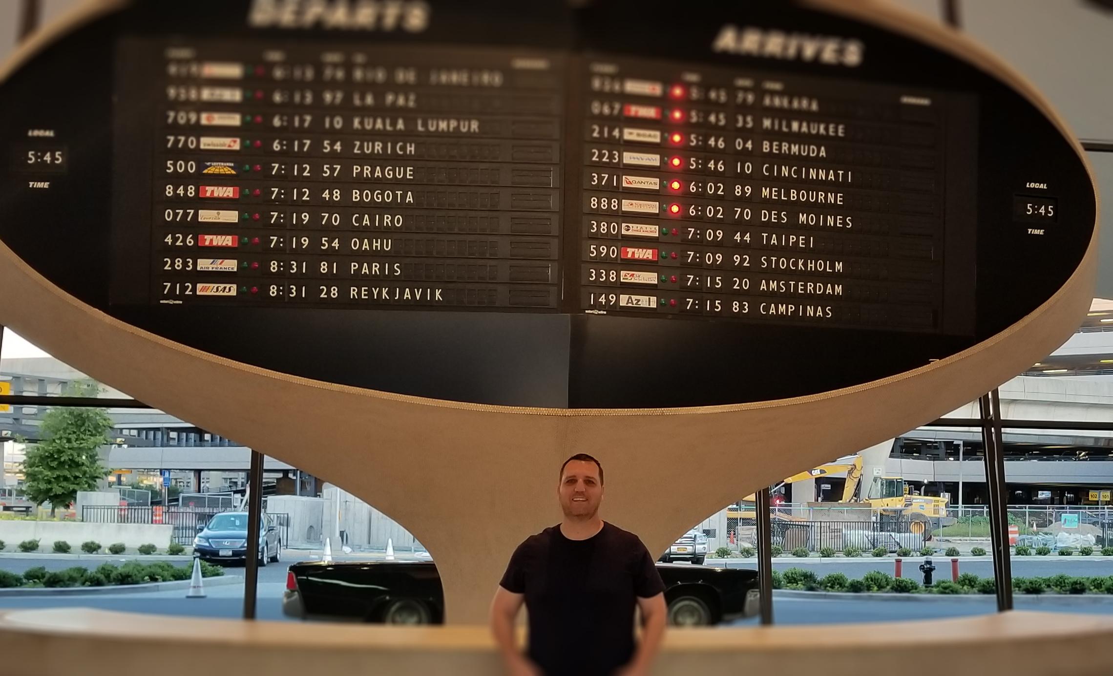 departs-arrives